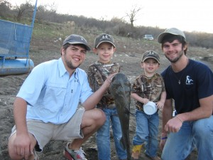 TANNER, JAKE, JACK & HARRISON SHOWING OFF THEIR CAT!